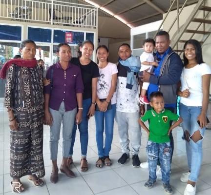 Nelio-and-family